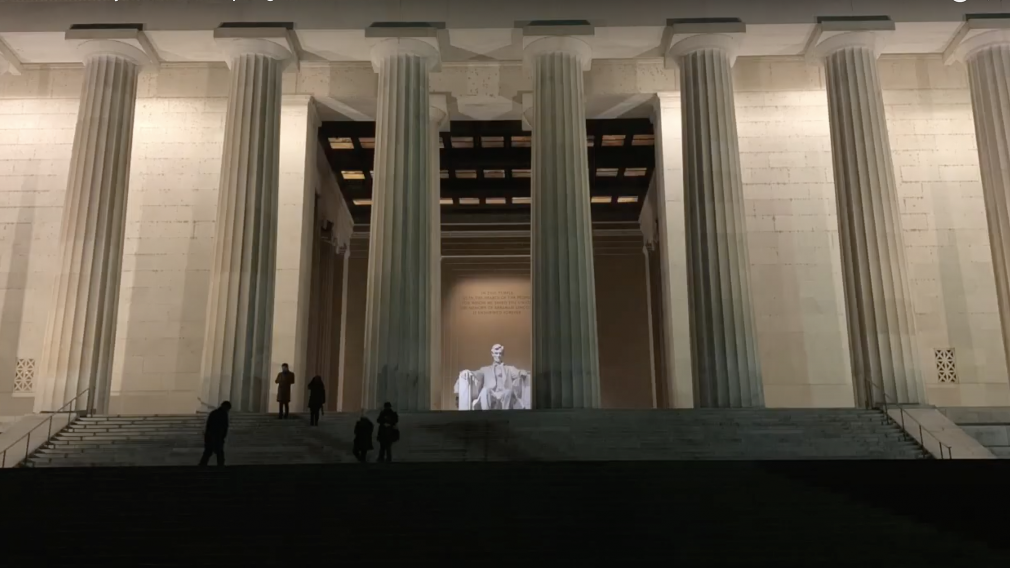 Lincoln Memorial lit up at night