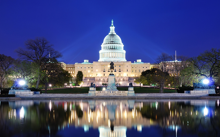 Night image of the U.S. Capitol Building